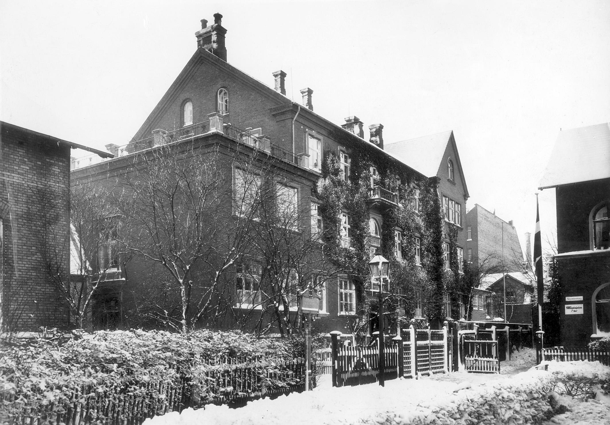 Frk. Wintelers pigeskole, Klostervej 8, 1906.